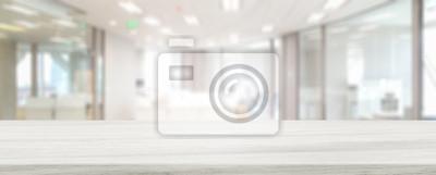 Obraz Marmur kamienny blat stołu i niewyraźne bokeh biuro w tle przestrzeni wewnętrznej - może służyć do wyświetlania lub montażu produktów.