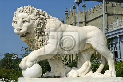 marmur lew - Pałac Woroncowa, Krym