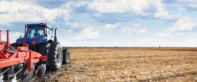 Obraz Maszyny rolnicze pracują w terenie