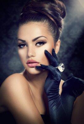 Obraz Moda Portret Beauty Dziewczyna. Vintage Style Girl rękawiczkach