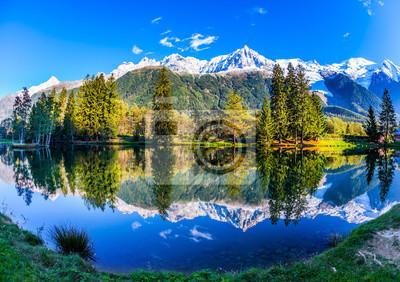 Mont Blanc odbijał się w jeziorze