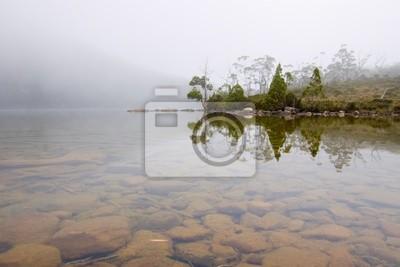 Moody alpejskie jezioro