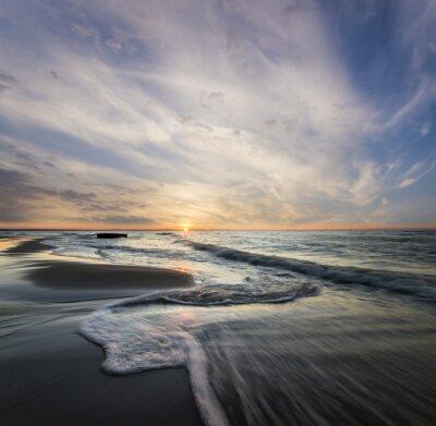 Obraz Morski pejzaż, fale rozbijające SIĘ o brzeg morski