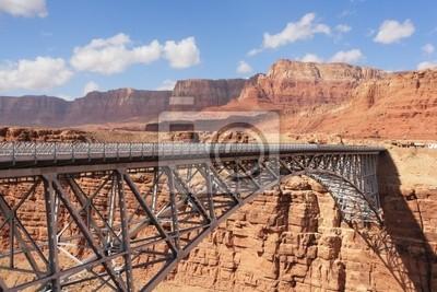 Most metalu w nagłym wybrzeża pustyni