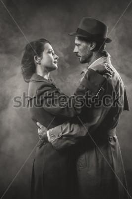 Obraz Movie noir: romantyczna para kochających się w ciemnościach, w stylu lat 50. XX wieku