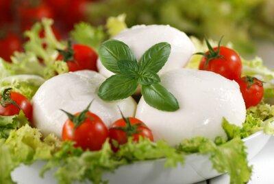 Obraz mozzarella di bufala italiana con pomodorini di pachino