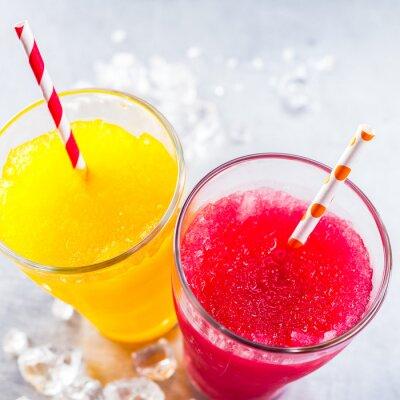 Obraz Mrożone owoce Slush Granitas ze słomek do picia