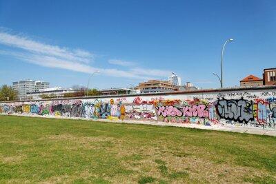 Obraz Mur i pelouse verte. Berlin.