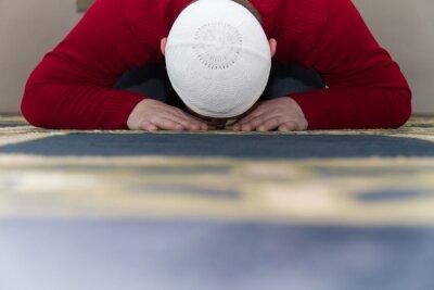 Obraz Muzułmanin modli się w meczecie