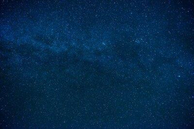 Niebieski ciemny nocne niebo z wielu gwiazd