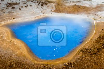Niebieski staw termalne w Islandii