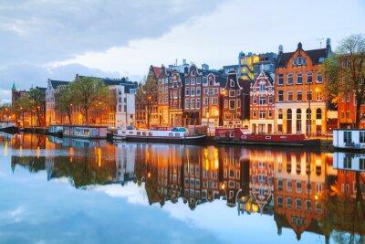 Obraz Nocny widok na miasto z Amsterdamu w Holandii