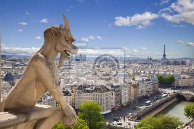 Notre Dame: Chimera (demon) z widokiem na Wieżę Eiffla