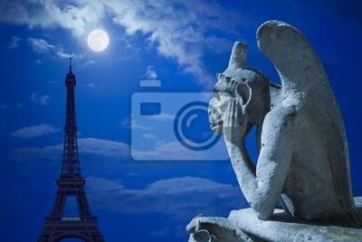Notre Dame Chimera i Wieża Eiffla w świetle księżyca Paryża