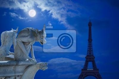 Notre Dame Chimeras i Wieża Eiffla w świetle księżyca Paryża