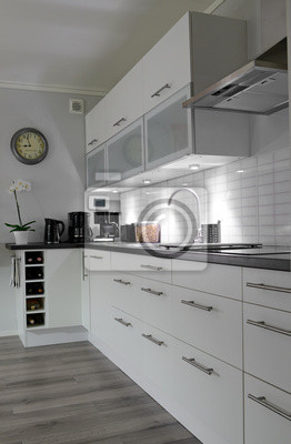Obraz Nowoczesna Biała Kuchnia Widok Pionowy