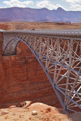 Nowoczesny most na rzece Kolorado