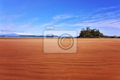 Ocean plaża na wyspie w czasie odpływu
