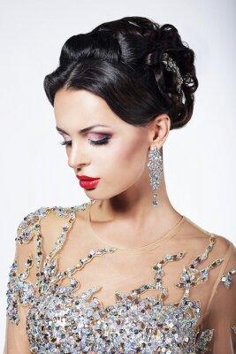 Obraz Oficjalne Party. Modelka w formalnych Sukienka z Jewels Błyszczące