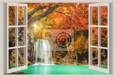 Otwarte okno, z widokiem na wodospad
