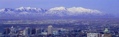 Obraz Panoramiczny zachód słońca z Salt Lake City z ośnieżone szczyty Gór Wasatch