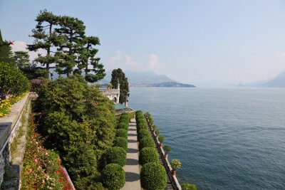 """Park on the island of""""Isola Bella"""""""