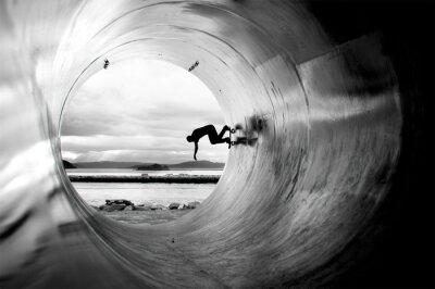 Obraz Person Skateboarding In Tunnel