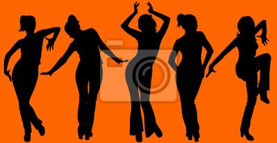 Pięć tańczące sylwetki kobiety na pomarańczowym tle