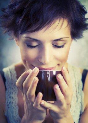 Obraz Piękna Dziewczyna z filiżanką kawy