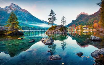 Obraz Piękna jesień scena Hintersee jezioro. Kolorowy ranku widok Bawarscy Alps na austriak granicie, Niemcy, Europa. Piękno natury pojęcia tło.