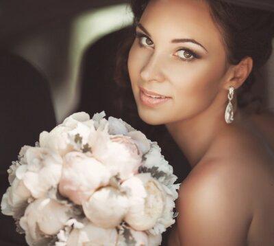 Obraz Piękna panna młoda w dniu ślubu w sukni ślubnej. Młodej kobiety