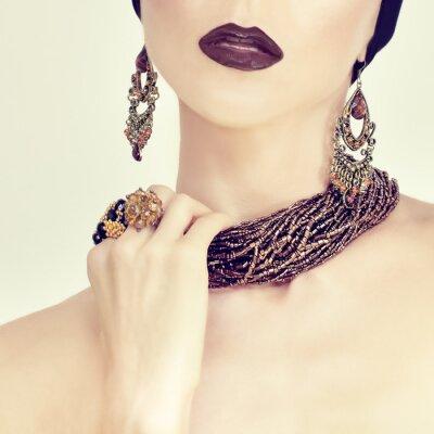 Obraz Piękna Portret sensual dziewczyna w biżuterii