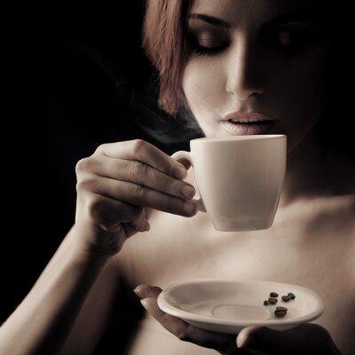 Obraz Piękne Coffee Drinking Woman. Miejsce na tekst