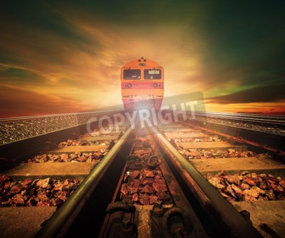 Obraz pociągi na skrzyżowaniu torów kolejowych w pociągach stacja przeciw piękne światło słońca zestaw wykorzystania nieba do transportu lądowego i logistyki przemysłu tło, tło, kopia przestrzeń temat