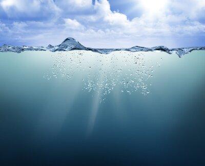 Obraz podwodne widok z niebieskiej wody