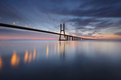 Obraz Ponte Vasco da Gama Rio Tejo sobre o em Lisboa ao Nascer do Sol