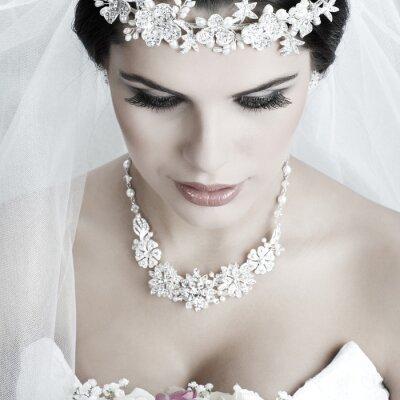 Obraz Portret pięknej narzeczonej. Suknia ślubna. Dekoracja ślubna