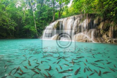 Poziom drugi z Erawan Wodospad w Kanchanaburi Province, Tajlandia