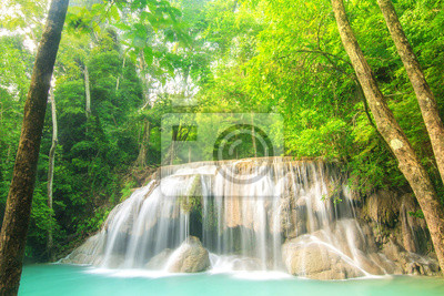 Poziom Dwa Erawan wodospad w Kanchanaburi Province, Tajlandia