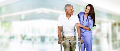 Obraz Pracownik służby zdrowia, a starszy mężczyzna