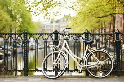 Obraz Rower na ulicy w mieście Amsterdam