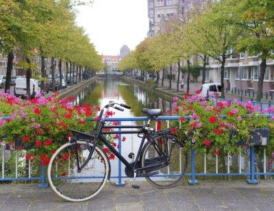 Obraz rowerów na moście