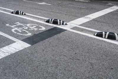 Obraz Rowerowy pas ruchu signage w mieście