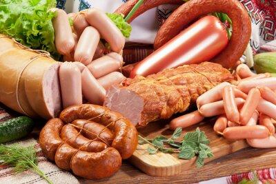 Obraz Różnorodność produktów wędliniarskich.