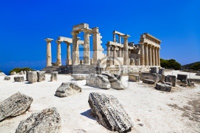 Ruiny świątyni na wyspie Egina, Grecja