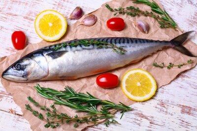 Obraz Składniki do pieczenia filetów SCOMBER, to surowy makrela, cytryna, czosnek, rozmaryn