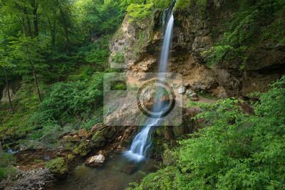Spódniczka wodospad w parku Lillafured