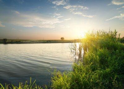 Obraz Spokojna rzeka o zachodzie słońca