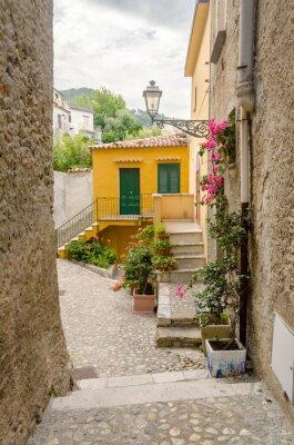 Obraz Starożytna ulica w starym mieście w południowej części wsi Włochy