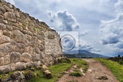 Starożytny Inca kamiennej w ruinach Pakapukara, w pobliżu Cuzco, Peru